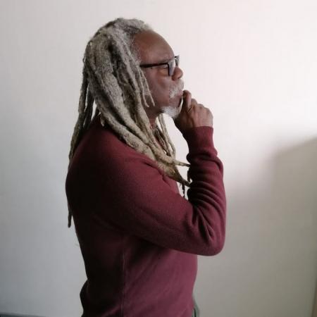 Le Reggaeman Etounfla Sabbat crache à nouveau ses vérités aux bourreaux de l'Afrique
